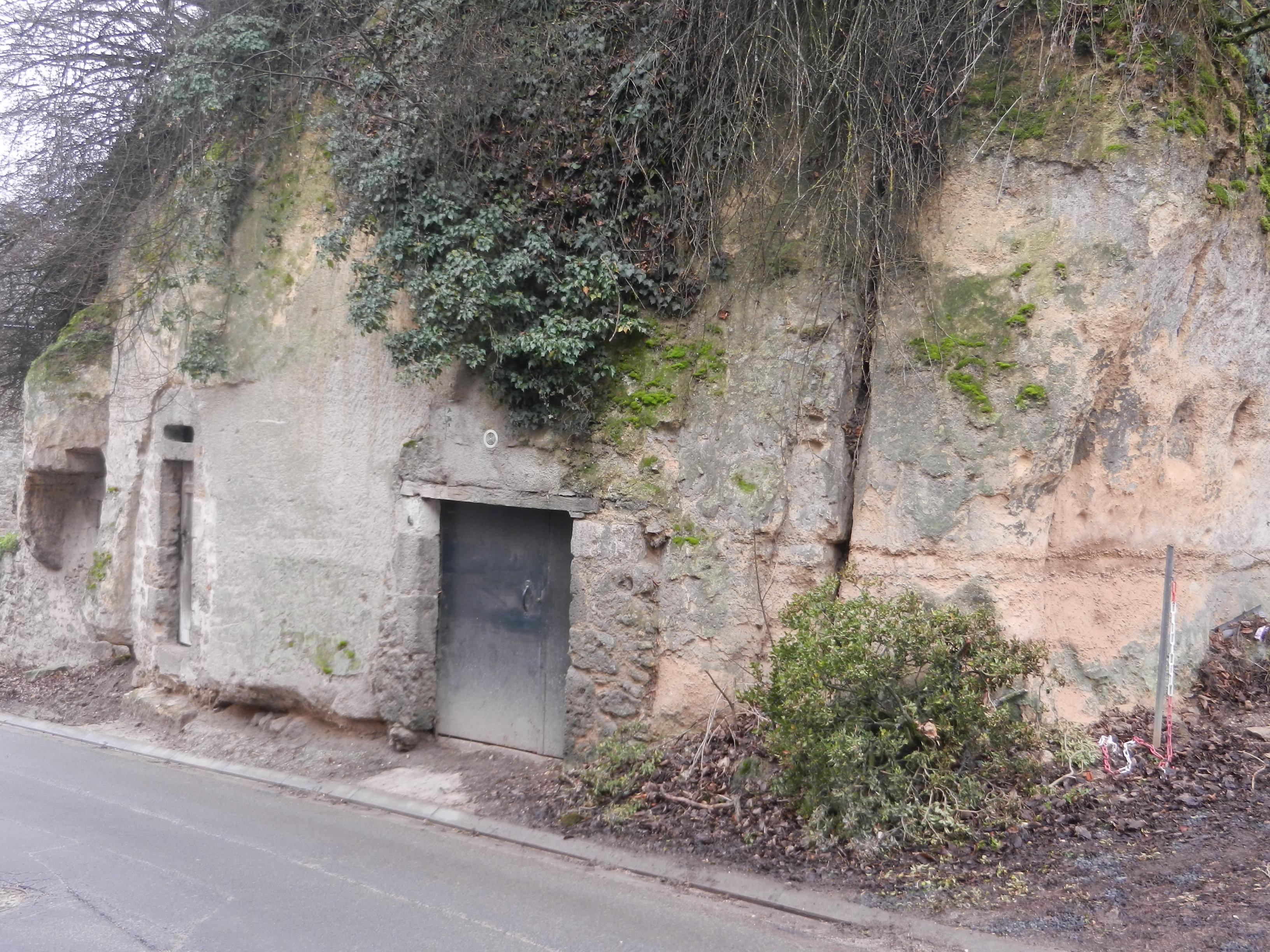 caves-a-la-sortie-de-fleury-vers-belval